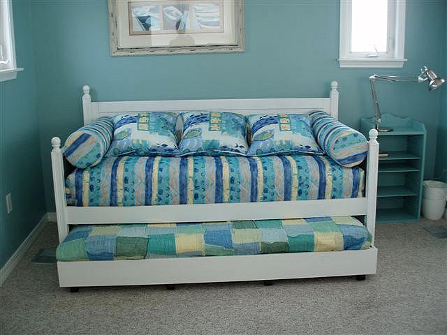 Trundle Beds for Fun and for Space